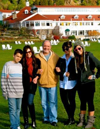 Stephen Simon & Lauren Simon & Family